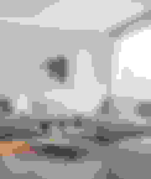 Wohnzimmer von BRANDO concept
