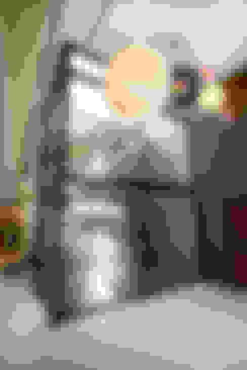 Residence Harris:  Windows by FRANCOIS MARAIS ARCHITECTS