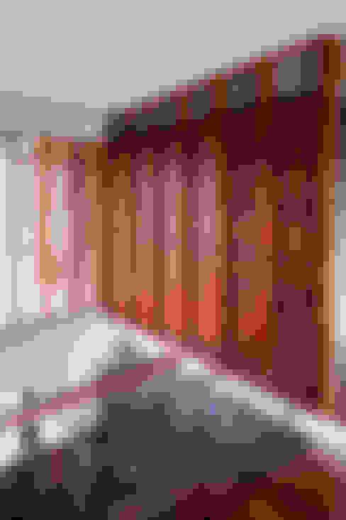 Couloir, entrée, escaliers de style  par บริษัท สถาปนิกชุมชนและสิ่งแวดล้อม อาศรมศิลป์ จำกัด