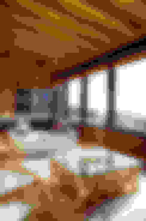 Salas / recibidores de estilo  por BLAC arquitectos