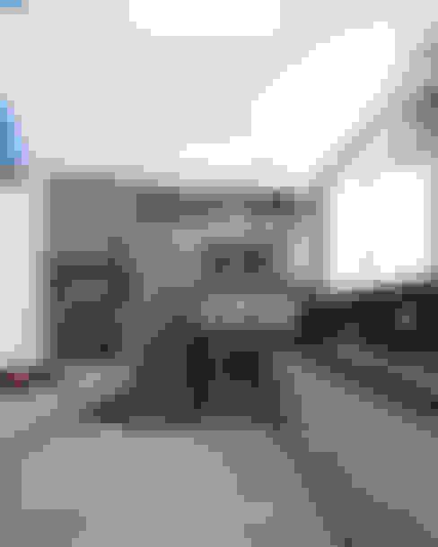 ECP   Cozinha: Cozinhas  por Kali Arquitetura