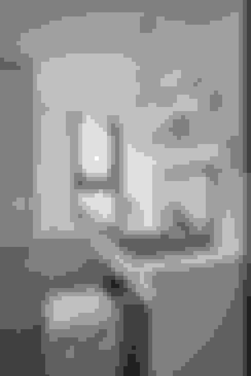 主臥室:  臥室 by 你你空間設計