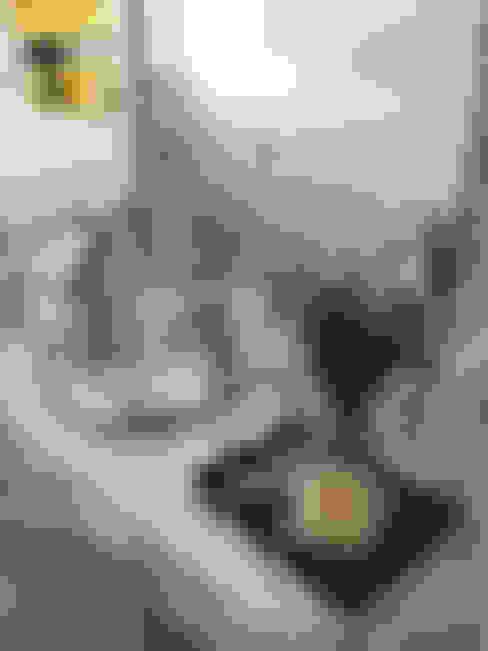 Bathroom تنفيذ Gabriella Roza Arquitetura e Interiores