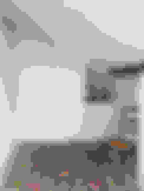 Ruang Ganti by QFProjectbuilding, Unipessoal Lda