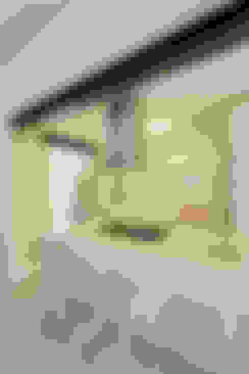 New kitchen:  Kitchen by Deborah Garth Interior Design