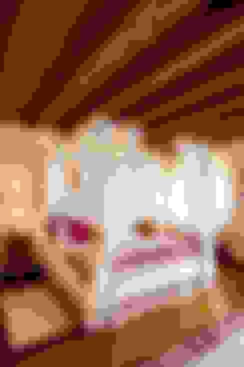 Dormitorios de estilo  por STUDIO CERON & CERON