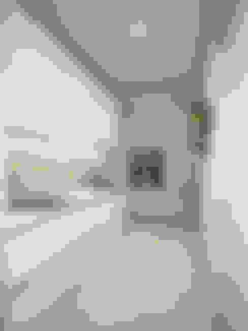 Кухня-гостиная ЖК Новое Измайлово: Кухни в . Автор – Ирина Рожкова - частный дизайнер интерьера