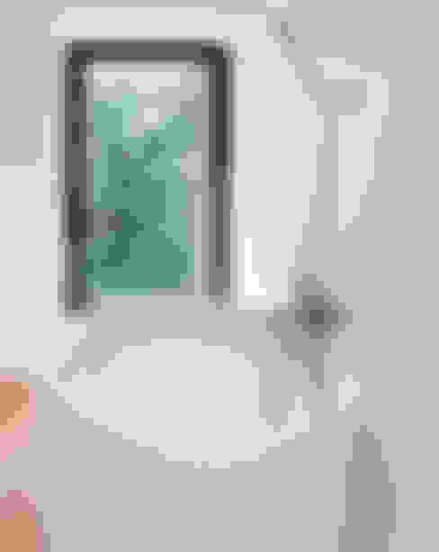 Bathroom by Ramon Soler