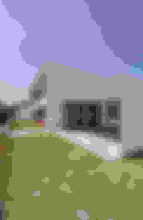 Garage/Rimessa in stile  di 門一級建築士事務所
