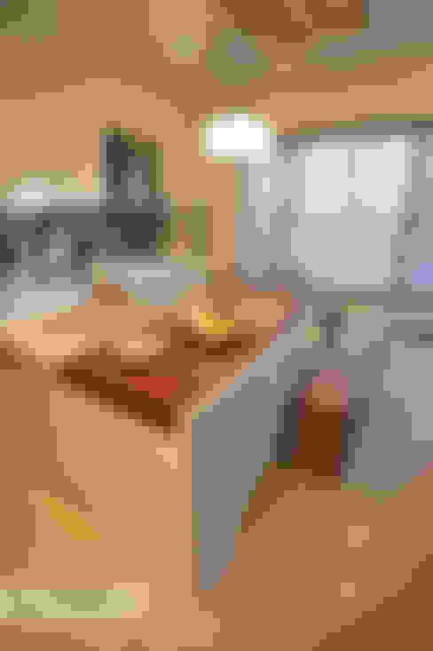 Dining room by 上云空間設計
