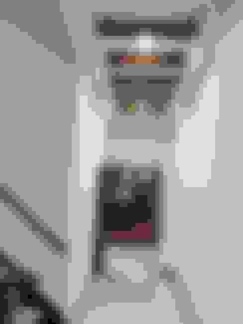Corridor & hallway by 勝暉建築工程行