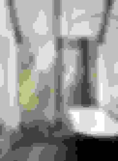 Bathroom تنفيذ Valentina Farassino Architetto
