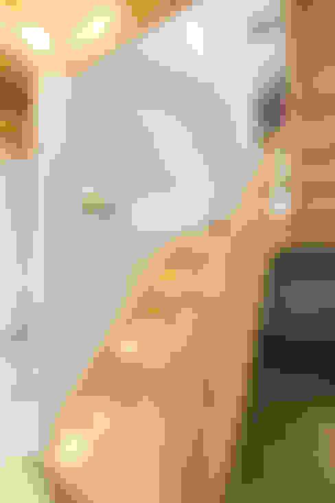 Коридор и прихожая в . Автор – RO-REI Holzhaus GmbH & Co.KG