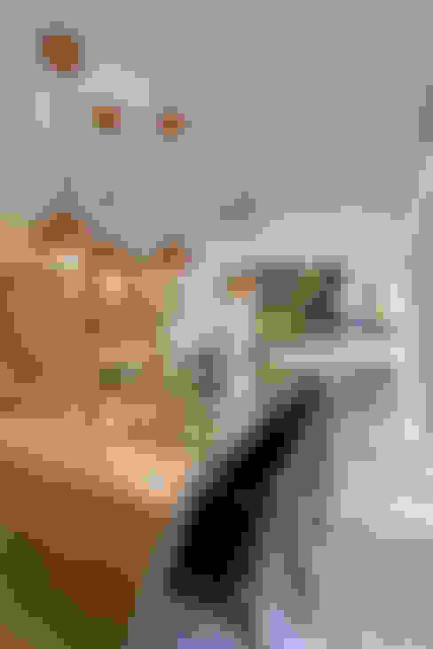 بلكونة أو شرفة تنفيذ Designer de Interiores e Paisagista Iara Kílaris