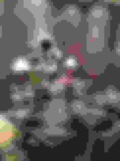 Clarens Mountain Estate :  Dining room by Katie Allen Decor & Design/Urban Yuppi