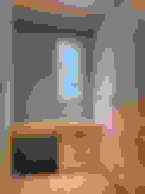 住宅|北歐鄉村混搭幸福居-高雄楠梓:  更衣室 by 鹿敘空間設計