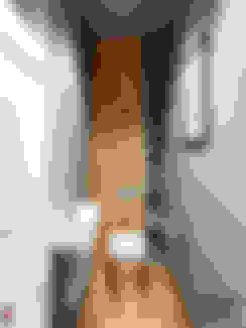 Bathroom by дизайн-студия PandaDom