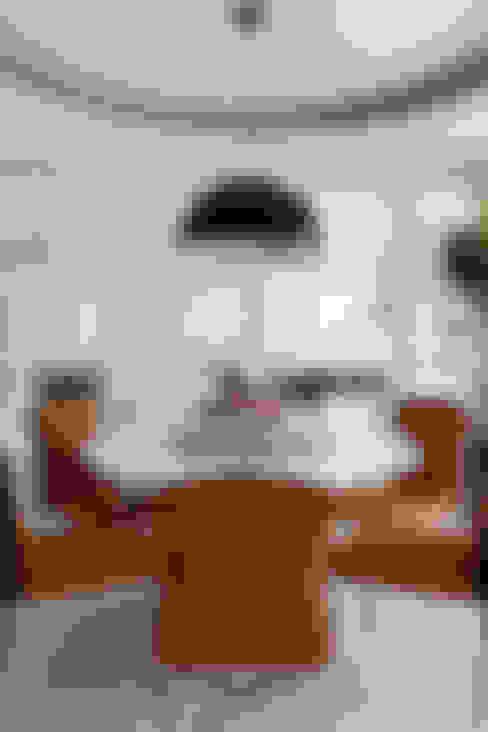 Sala da pranzo in stile  di 誼軒室內裝修設計有限公司
