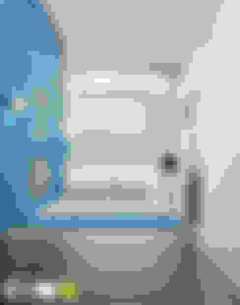 БАЛТИЙСКИЙ БЕРЕГ: Спальни в . Автор – Мастерская интерьера Юлии Шевелевой