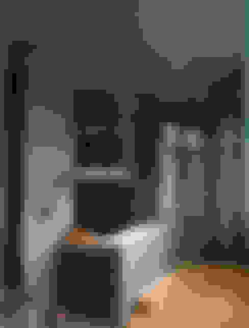 Baños de estilo  por 鼎爵室內裝修設計工程有限公司