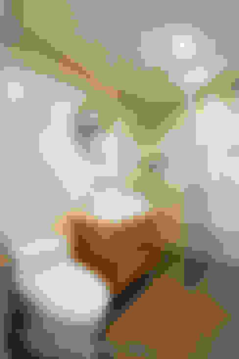 Bathroom by 영보디자인  YOUNGBO DESIGN