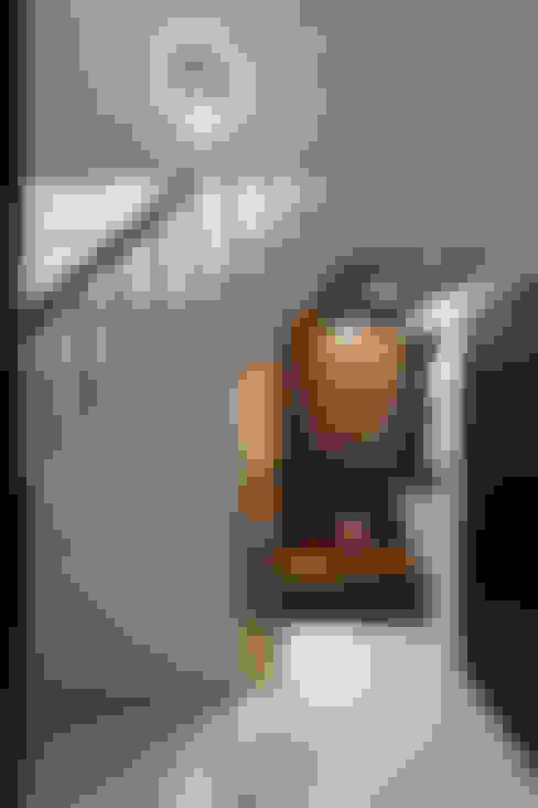 Ingresso & Corridoio in stile  di 橡樹設計Oak Design
