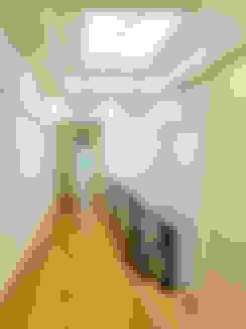 Hành lang by Douglas Design Studio