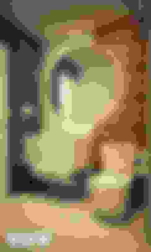Baños de estilo  por Kuro Design Studio