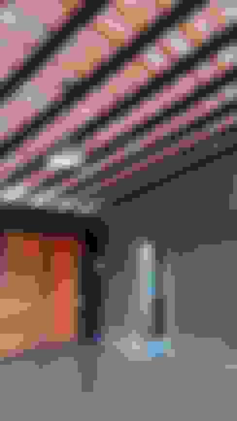 Paredes de estilo  por Abitar arquitectura