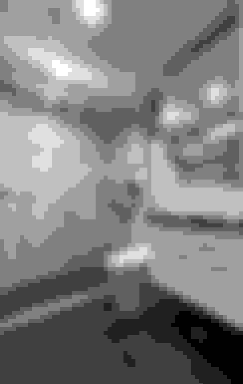 現代風設計個案:  浴室 by 精洲室內裝潢工程有限公司