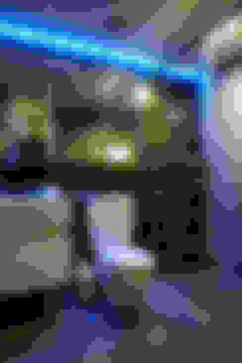Salle de bains de style  par 弘悅國際室內裝修有限公司