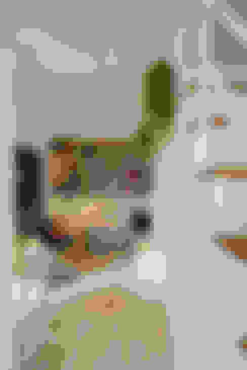 Livings de estilo  por 一葉藍朵設計家飾所 A Lentil Design