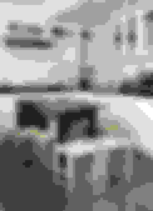 Cocina: Cocinas de estilo  por RENOarq