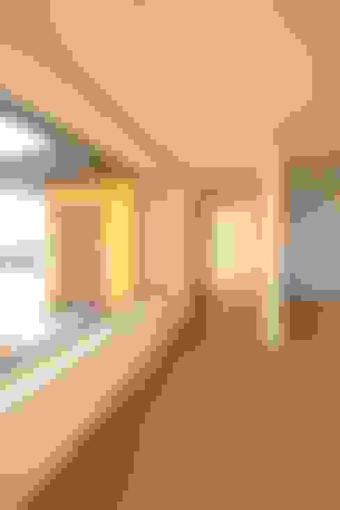 Phòng khách by 로이하우스