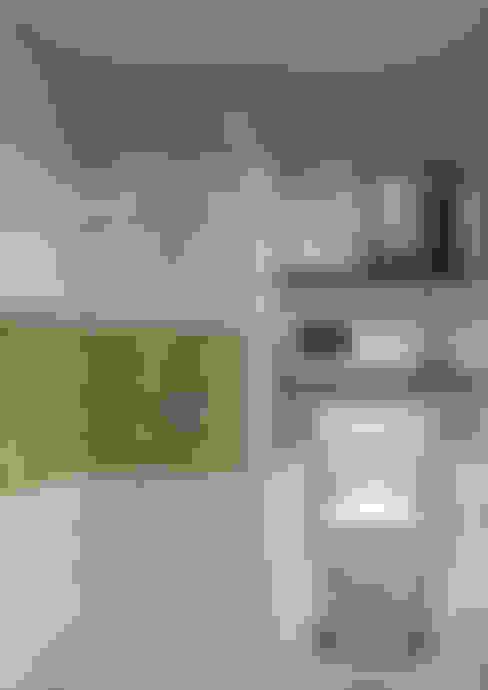 Show Unit - Type A (18 m2) - Kamar Mandi:  Kamar Mandi by studio tektonik