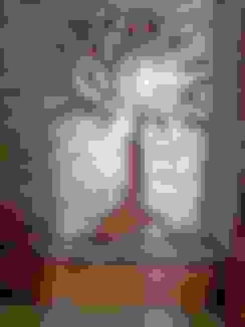 Mr. Amrish - Astro Rosewood Regency:  Living room by DECOR DREAMS