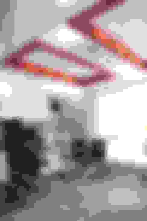 Consultorio Principal: Oficinas y Tiendas de estilo  por Soluciones Técnicas y de Arquitectura