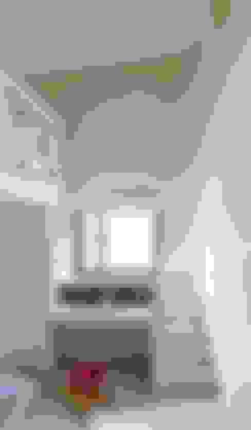 光合之家:  臥室 by 行一建築 _ Yuan Architects