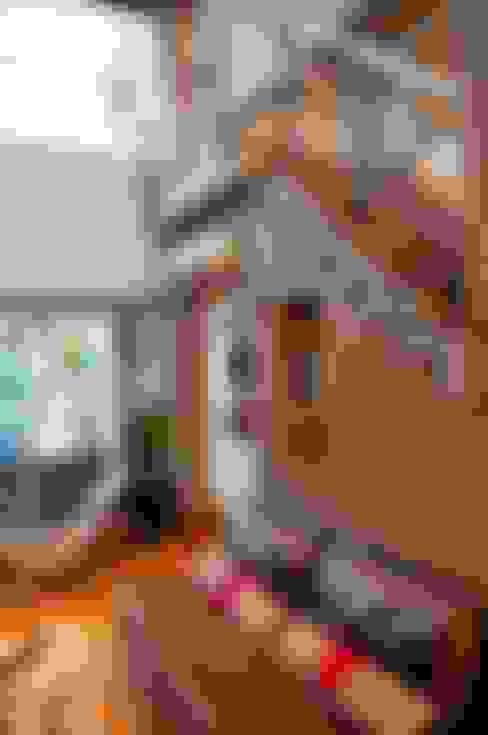 """Casa """"Integración al verde"""": Livings de estilo  por Estudio Gore"""
