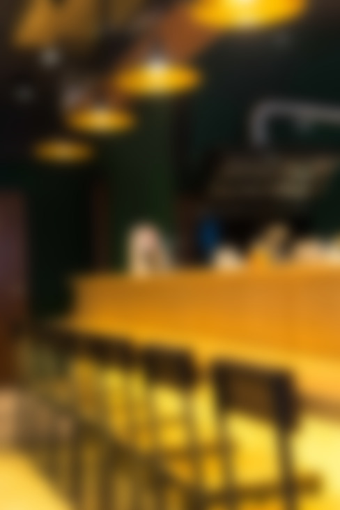 古早日式設計氛圍_新莊茶飲:  牆面 by 春瑾室內裝修有限公司