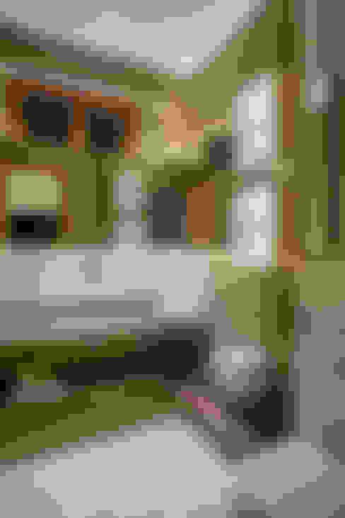 Bathroom by Danielle Valente Arquitetura e Interiores