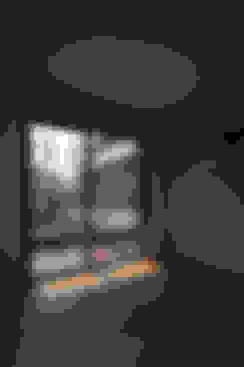 Sala multimediale in stile  di 서가 건축사사무소