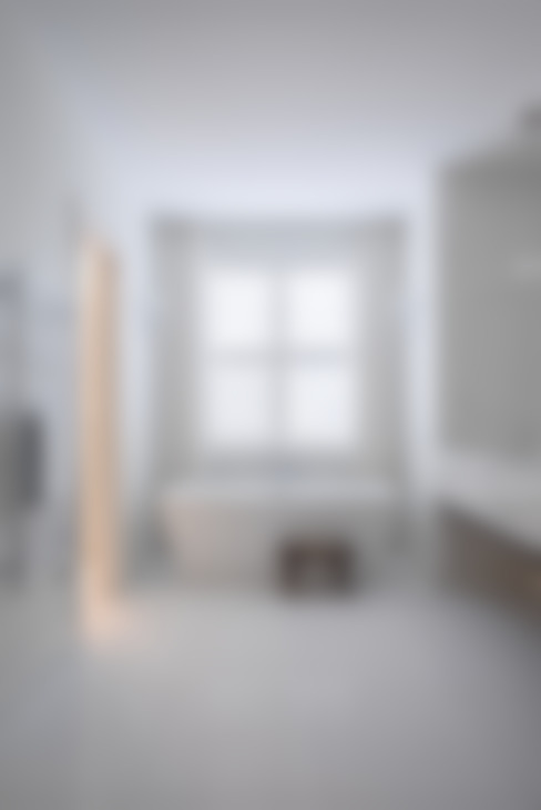 Glebe Avenue Residence:  Bathroom by Flynn Architect