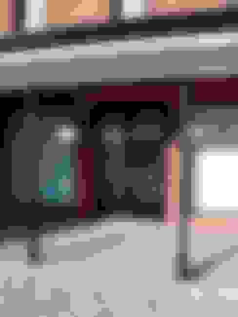 Casan Haras San Pablo : Puertas de entrada de estilo  por Estudio Dillon Terzaghi Arquitectura - Pilar