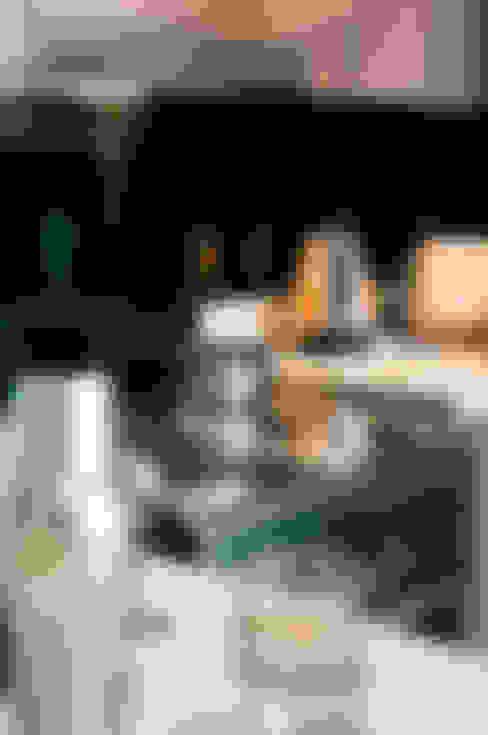 Kitchen - Detail Shot:  Kitchen by Statera Design