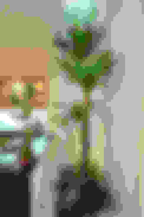 Độc Đáo Với Nhà Phố 3 Tầng Đẹp Có Thiết Kế Hồ Bơi Trên Sân Thượng :  Tủ bếp by Công ty TNHH Xây Dựng TM – DV Song Phát
