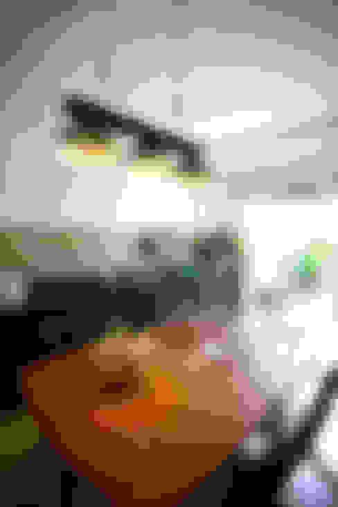 Thắm Đượm Nét Quê Trong Thiết Kế Nhà Phố 2 Tầng Ở Đà Nẵng:  Phòng ăn by Công ty TNHH Xây Dựng TM – DV Song Phát