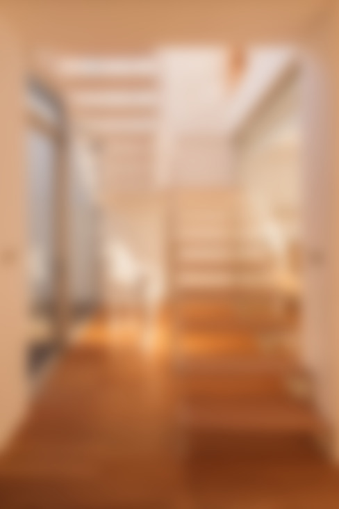 台南自地自建北歐風:  走廊 & 玄關 by 勝暉建築工程行