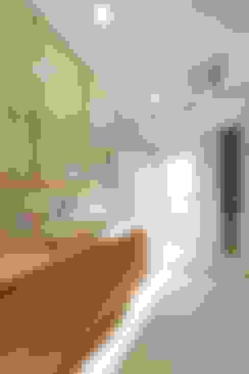 台南自地自建北歐風:  浴室 by 勝暉建築工程行
