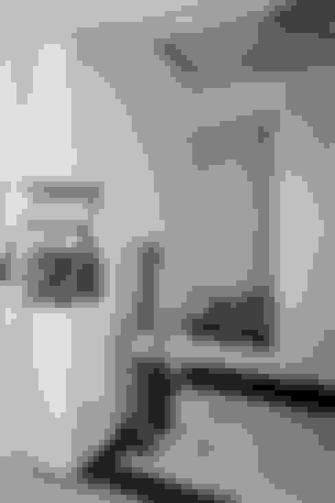 玄關:  走廊 & 玄關 by 鼎士達室內裝修企劃
